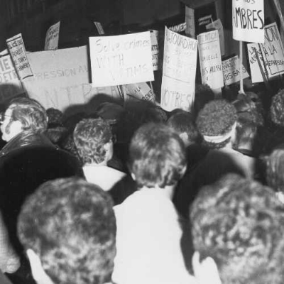 Protest following the police raid on the Bud's on the 2nd of June 1948. Photo credit: Unknown photographer. 1984. AGQ- F-0017/S11-01-1984 MB. Fonds Association pour les droits des gai(e)s du Québec (ADGQ). Collection of the Archives gaies du Québec.